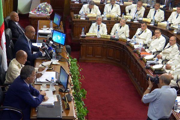 """إنتخابات: الداخلية تحذر الولاة .. """"إياكم والبيروقراطية""""!"""
