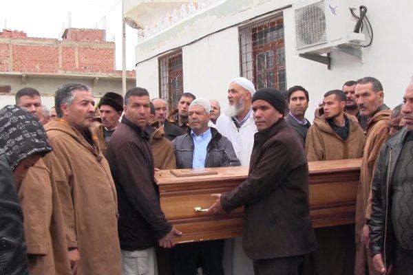خنشلة: تشييع جنازة عمي العيد ضحية محرقة مسجد بجن بولاية تبسة