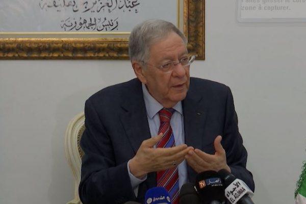"""ولد عباس يتصل بـ """" حمس """" .. وامتحان رئيس البرلمان في الأفلان هذا الأحد"""