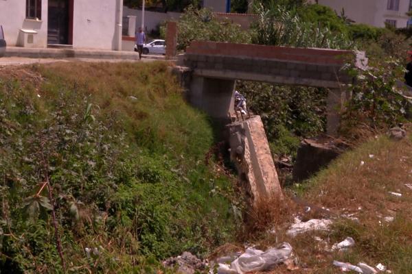 العاصمة: الملايا والتيفوئيد يتربصون بسكان حي البدر بسبب وضعية الوادي