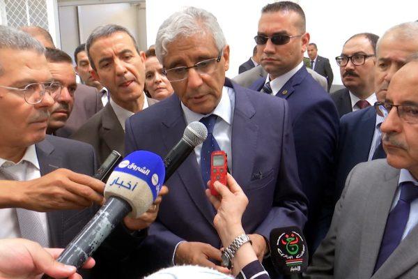 وزير التجارة يخلط حسابات وكلاء السيارات بخصوص منح رخص الاستيراد