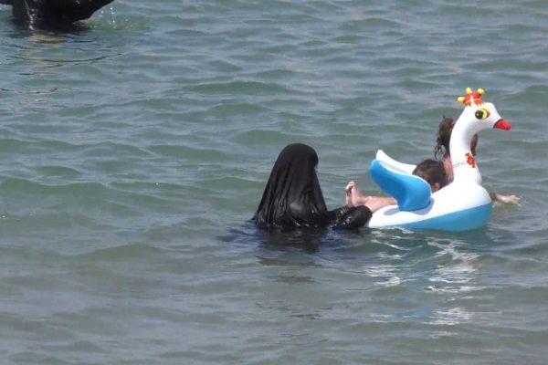 سكيكدة: خليج روسيكادا يفتح ذراعيه لاستقبال ملايين المصطافين