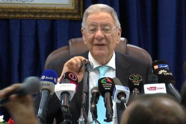 """ولد عباس يجيب صحافية """"الشروق نيوز"""" حول العهدة الخامسة: """"لما يزيد نسموه سعيد""""!"""