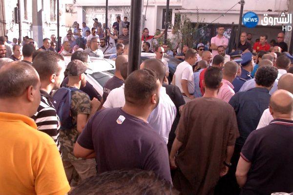 """العاصمة: عمال """"إيتوزا"""" يوقفون الإضراب بعد تدخل الإدارة"""