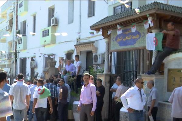 المحليات تلغم بيت الأفلان وأكثر من 50 شكوى تصل ولد عباس يوميا