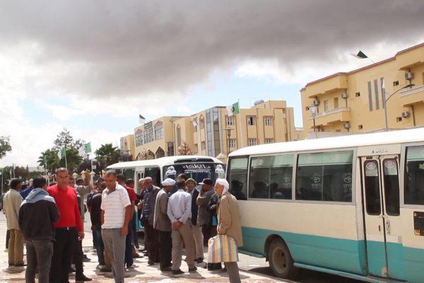 تيسمسيلت: الناقلون الخواص يدخلون في إضراب عن العمل