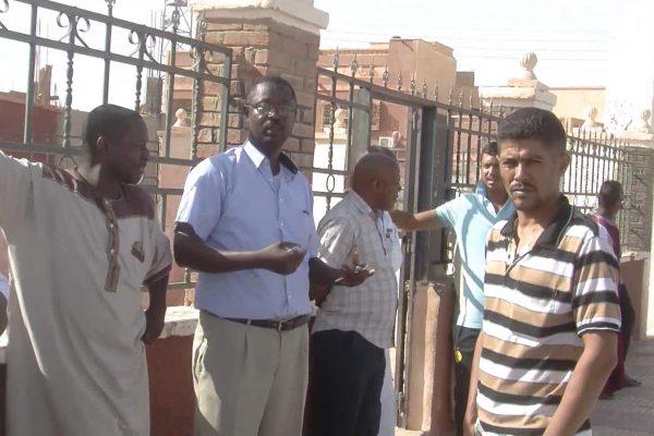أدرار: أولياء تلاميذ مدرسة محمد الشريف يحتجون على تأخر تمدرس أبنائهم