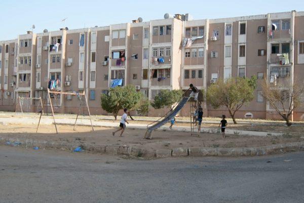 عين تموشنت: سكان حي 488 مسكن بعاصمة الولاية خارج مجال التغطية