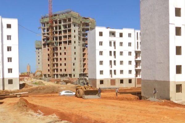 Habitat : 320.000 logements seront lancés fin 2017 selon le Ministre