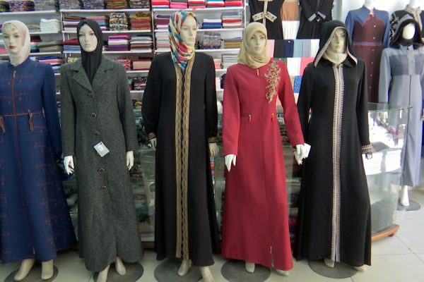 العاصمة: حجاب الجزائريات…بين الإفراط والالتزام