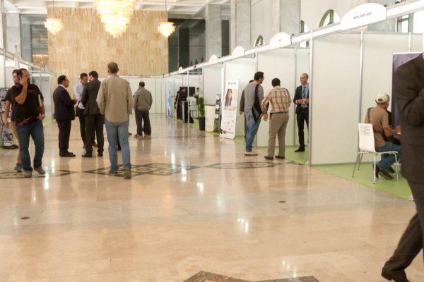 """العاصمة: """"هاكرز"""" جزائريون يتنافسون في معرض """"حمايتك"""" السيبرياني"""