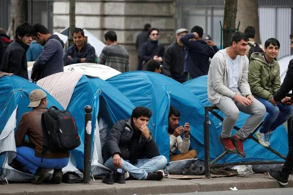 """الجزائريون في صدارة طالبي اللجوء السياسي بفرنسا """"مغاربيا"""""""