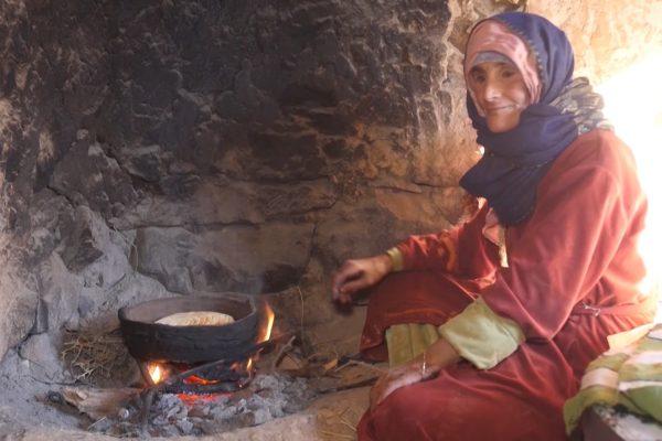 الأغواط: الفقر والعوز ينهشان عائلة تتكون من تسعة يتامى