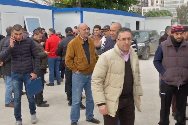 العاصمة عمال النقل البحري للمسافرين يحتجون ويدافعون عن نقابتهم