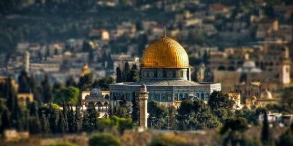 تحذيرات فلسطينية من قرار البيت الأبيض في نقل سفارته إلى القدس
