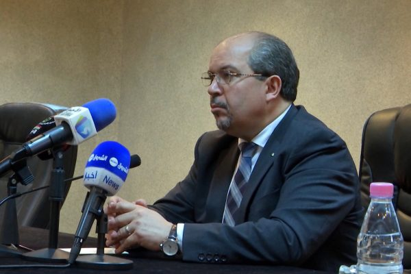 منع الفتوى في الجزائر قد ينعشها عبر الفضائيات