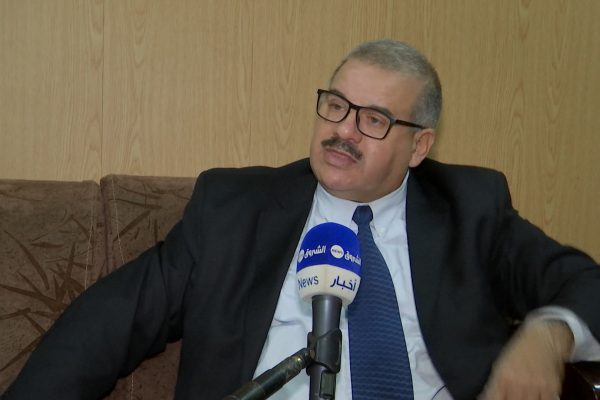 """بعد تضييع الجزائر شراء.. مصنعي """"فولفو"""" و """"أوبال"""" .. السيارات أقل من 3 سنوات الحل الوحيد"""