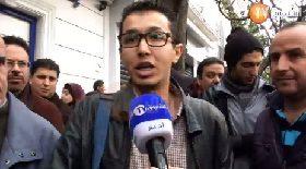 الشرطة توقف إعلاميين وتفض مسيرة لا للرابعة