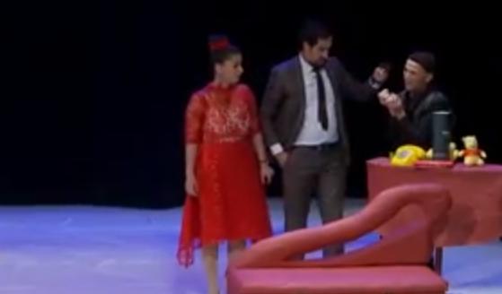 مسرحية جا يسعى والدار تسعى تميط اللثام على الخيانة الزوجية