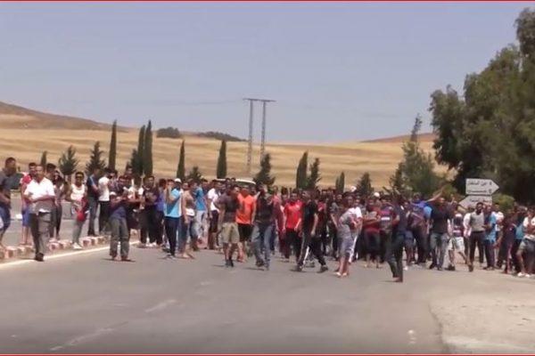 برج بوعريريج: سكان قرية السلطان بمجانة يغلقون الطريق للمطالبة بالماء الشروب
