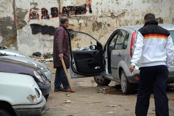 """""""جمهورية الباركينغ"""" تُحكم قبضتها على الشوارع الجزائرية"""