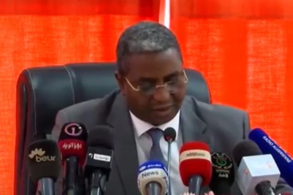وزير السياحة يدعو إلى تسهيل الظروف أمام المستثمرين في المجال