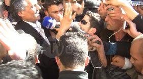 """الندوة الصحفية ل """"رشيد نكاز"""" أمام البريد المركزي"""