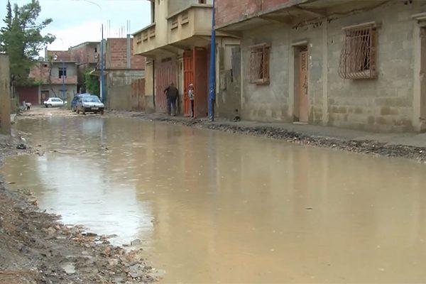 ميلة: الفيضانات تعزل بلدية فرجيوة وتغرق أحياءها في الأوحال