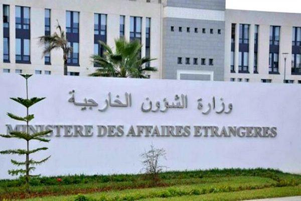 الخارجية: الجزائر ثابتة بقيادة بوتفليقة ولن تؤثر فيها المقالات المغرضة والتقارير المزيفة
