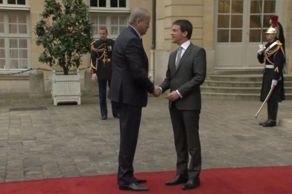 """""""الحركى"""" و""""توتال"""".. هكذا تستفز فرنسا الجزائر"""