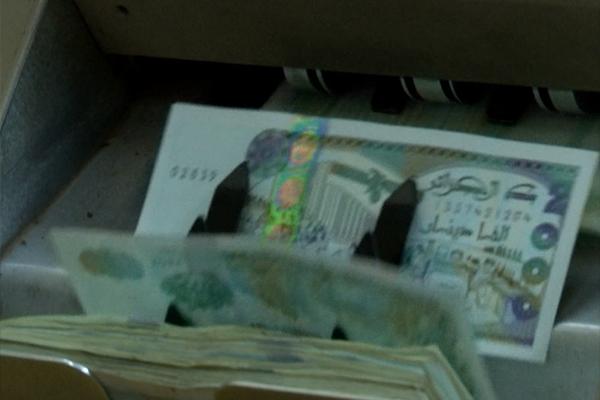 خبراء يطالبون بالتحكم في ميزانية التسيير وترشيد الإنفاق الحكومي