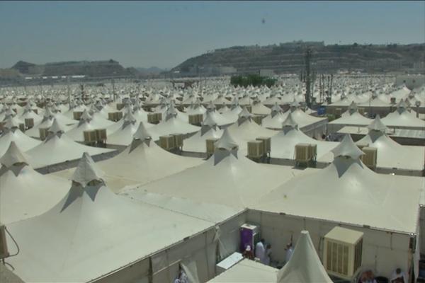الحجاج الجزائريون بين التيهان في شوارع مشعر منى وخيام البعثة