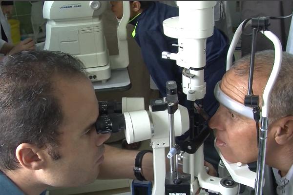 خنشلة: قافلة طبية تجوب المناطق النائية لمعالجة مرضى العيون