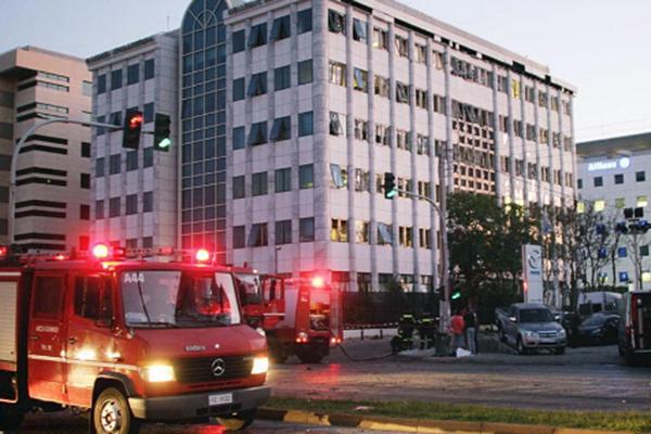 بـالفيديو: انفجار قنبلة أمام السفارة الفرنسية في اليونان