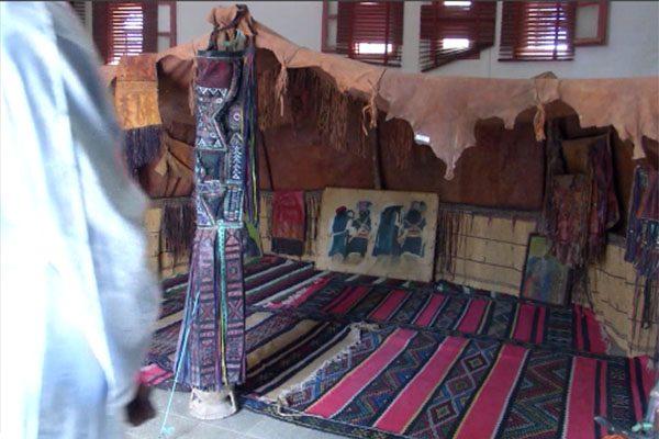 الجزائريون يدفعون 4 مليار دولار سنويا في السياحة الخارجية