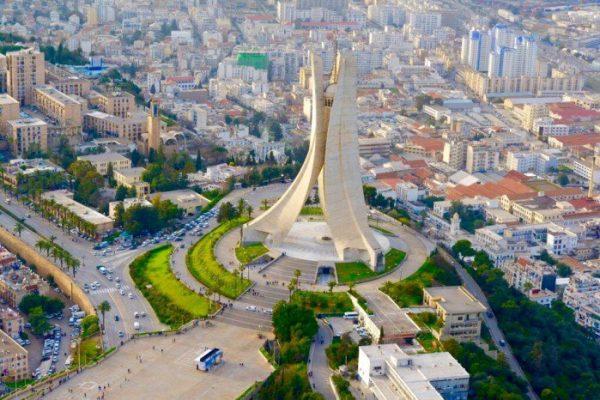الجزائر تحقق تقدما في تطوير تكنولوجيات الإعلام والاتصال