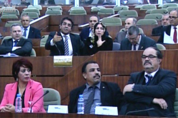بوتفليقة يفرض تعديلا شفويا على قانون التقاعد لصالح الجبهة الاجتماعية